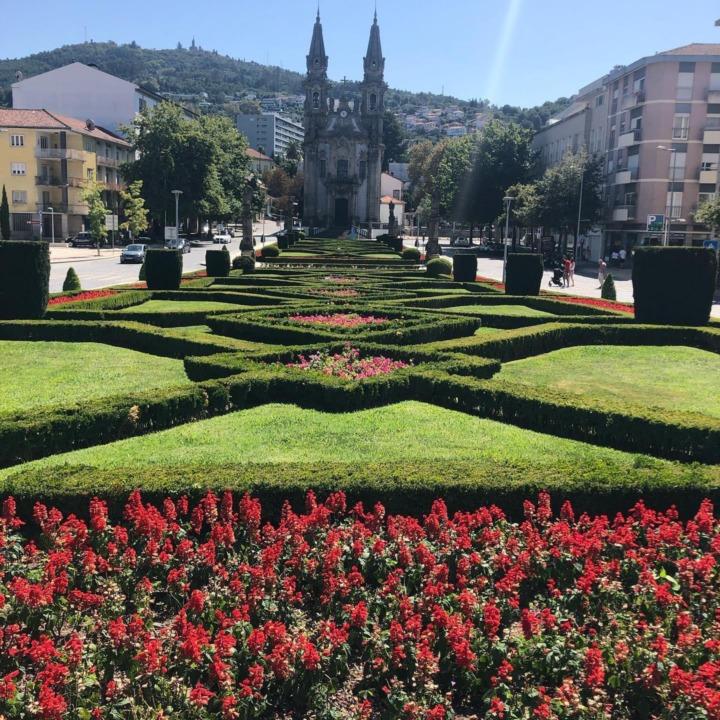Guimaraes Jardim Do Largo Da Republica Do Brazil