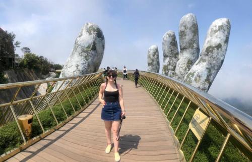 Golden Hands Bridge